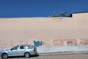 fassaden-graffitientfernung-getraenkemarkt-vorher2